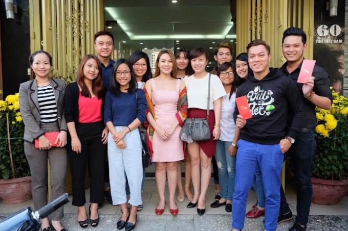 Fan Đà Nẵng cùng ghi lại những hình ảnh đầu năm cùng nữ ca sĩ Mỹ Tâm.
