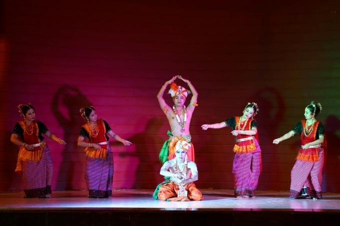 Múa Manipuri của Ấn Độ.