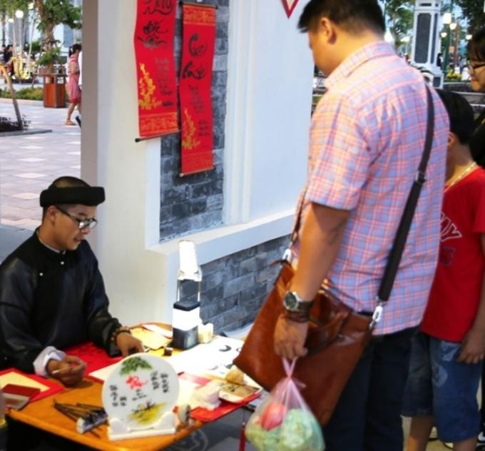 Xin chữ đầu năm là nét văn hóa cổ truyền của người Việt.