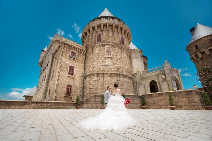 Chụp ảnh cưới tại Bà Nà Hills.