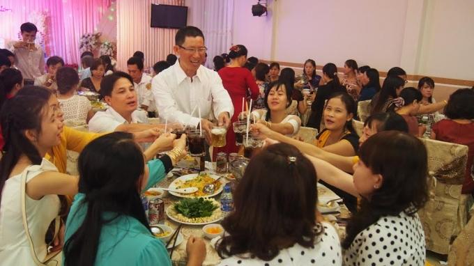Một đám cưới ở Bạc Liêu, đãi buổi trưa. Ảnh: Võ Anh Tuấn.