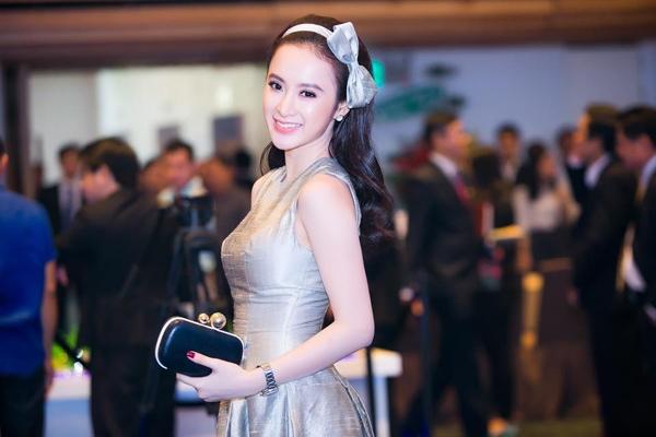 Với nhan sắc ngày một rạng rỡ, phong cách thời trang ghi điểm tuyệt đối cùng những hoạt động nghệ thuật nghiêm túc trong thời gian gần đây, Phương Trinh đang dần trở thành một biểu tượng diễn viên xinh đẹp , tài năng trong lòng khán giả. Ảnh: Internet