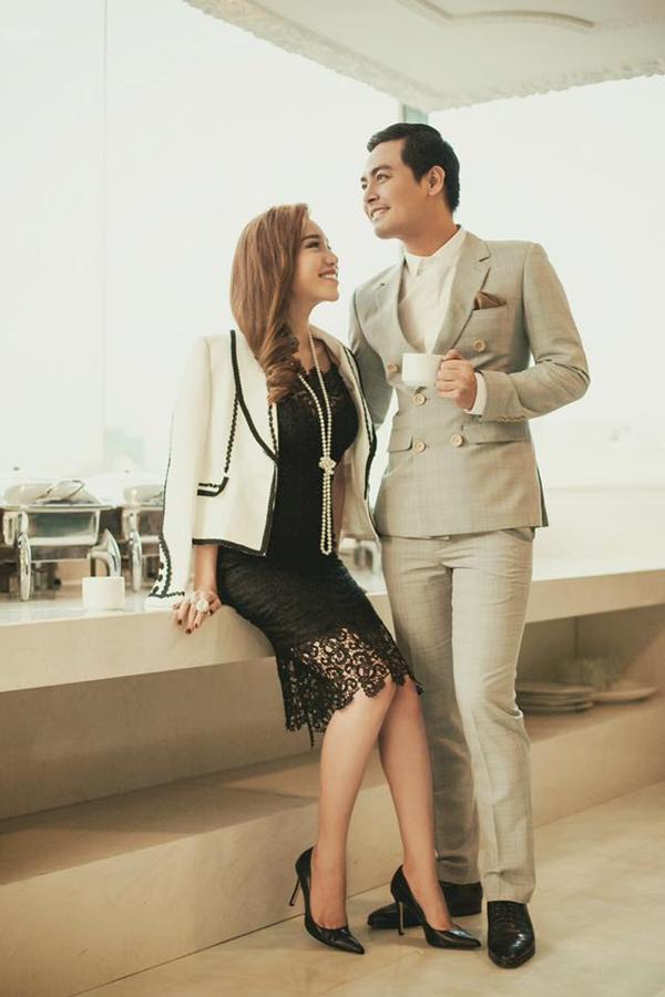 Nữ diễn viên sang trọng bên MC Phan Anh lịch lãm. Ảnh: Internet