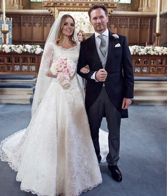 Từng chi tiết của bộ váy cưới được chăm chút một cách hoàn hảo và mang đậm phong cách Anh. Ảnh: Internet