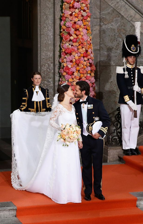 Đám cưới cổ tích giữa hoàng tử Thụy ĐiểnCarl Philip với cựu người mẫuSofia Hellqvist được tổ chức tại cung điện hoàng gia ởStockholm vào tháng Sáu. Ảnh: Internet