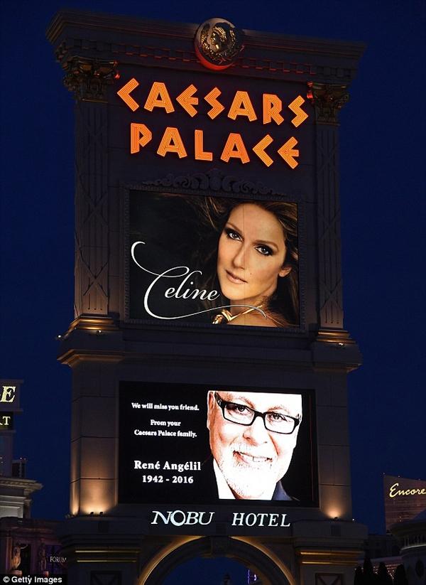Tấm biển tưởng nhớ Rene Angelil được treo lên tạiCaesars Palace. Ảnh: Dailymail