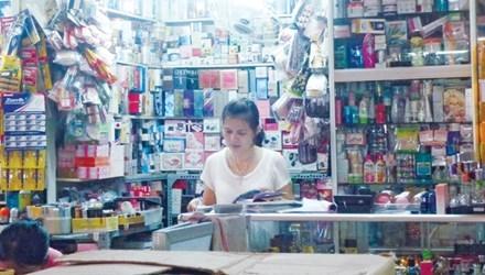 Hàng loạt cửa hàng mỹ phẩm giả bị khai tử