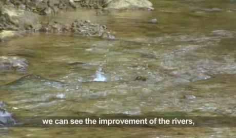Nhờ công nghệ xử lý chất thải hiện đại mà dòng nước gần khu vực khai thác không hề bị ô nhiễm.