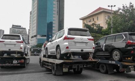Tổng cục Thuế yêu cầu rà soát nhập xe ô tô theo hình thức quà biếu, quà tặng.