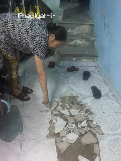 Gạch lát nền nhà bị bong, rộp và vỡ vụn