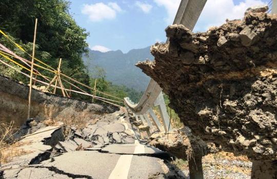 Tuyến đường gần 100 triệu đô sụt lún kinh hoàng nhưng hiện vẫn chưa được khắc phục
