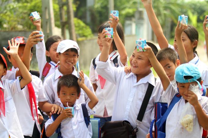 Dutch Lady (nhãn hiệu của Friesland Campina Việt Nam) thường xuyên tổ chức các hoạt động giáo dục dinh dưỡng và thể chất với mong muốn mang đến sự phát triển toàn diện tối ưu ở trẻ em