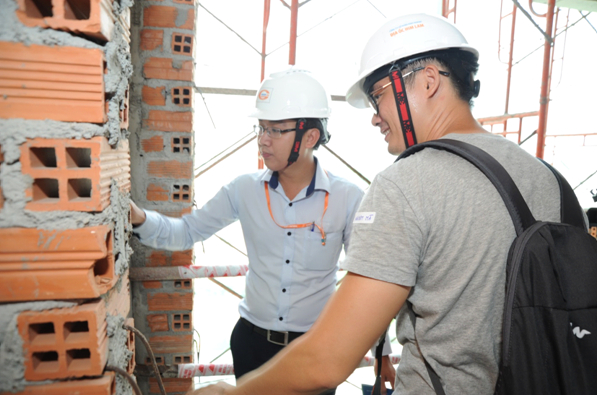 Tạo điều kiện cho khách hàng tham quan giám sát chất lượng xây dựng và tiến độ tại Him Lam Phú An, Him Lam Land một lần nữa khẳng định uy tín và vai trò của một Chủ đầu tư hàng đầu trên thị trường.