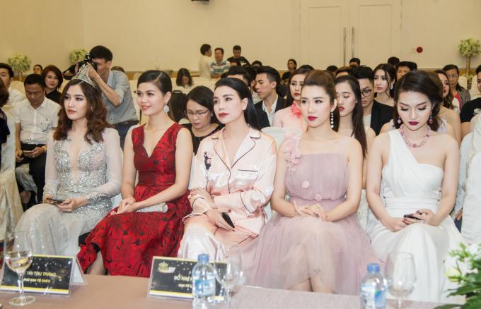 Nữ hoàng trang sức Việt Nam trở thành điểm hẹn tôn vinh vẻ đẹp phụ nữ và trang sức Việt.