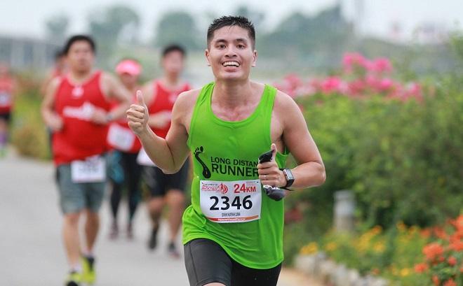 Bác sĩ Đinh Huỳnh Linh đang chinh phục một cuộc đua. Ảnh:NVCC