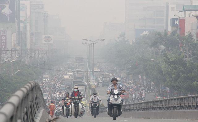 Bụi từ các phương tiện giao thông gây ô nhiễm môi trường