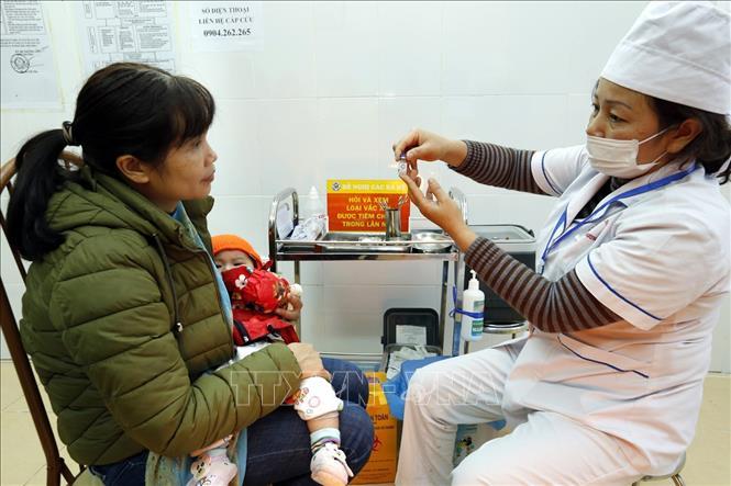 Hà Nội vẫn đảm bảo tiêm chủng đầy đủ trong dịp nghỉ Tết Nguyên đán Kỷ Hợi 2019. Ảnh: Dương Ngọc