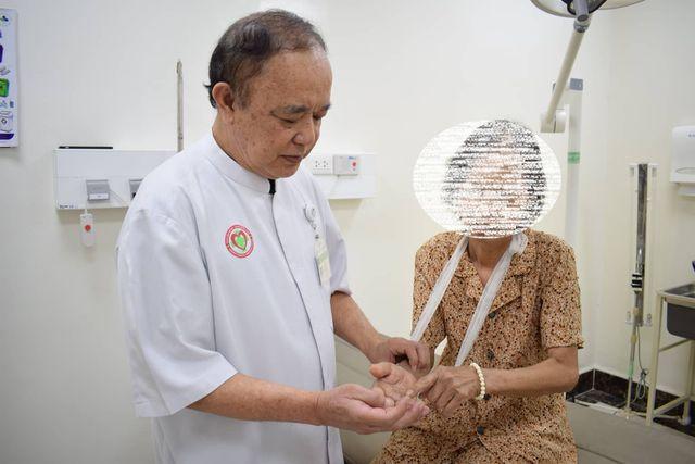 Nạn nhân được điều trị thành công, cánh tay được hồi phục sau khi nhập viện.