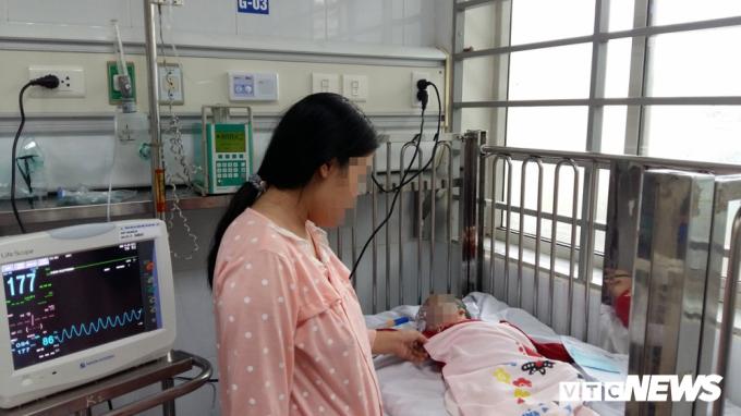 Dịch cúm hoành hành, xuất hiện trẻ bị biến chứng viêm não nặng
