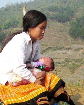 Những thiếu nữ nơi đây trở thành mẹ từ khi còn rất trẻ