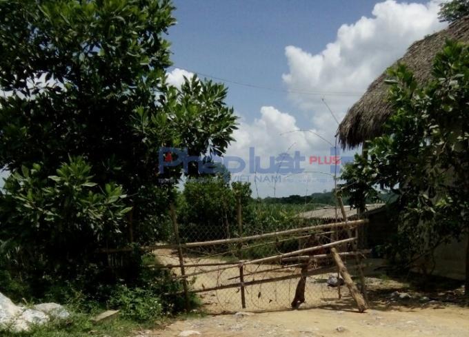 Sau loạt bài phản ánh về bãi khai thác cát trái phép, sáng ngày 24/8, bãi cát lậu chính thức bị nghiêm cấm hoạt động. (Ảnh: A.Thắng)