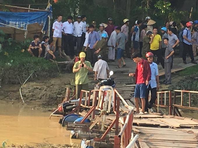 Hiện trường xảy ra vụ va chạm làm chết 2 người tại cầu Vồm, xã Thiệu Khánh, TP Thanh Hóa. (Ảnh: Mai Nhung)