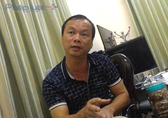 Ông Đào Phan Thắng, GĐ Trung tâm GDTX Thanh Hóa thừa nhận việc đi xe biển xanh 36M-000.23 vào dự lễ Hội chọi trâu Đồ Sơn. (Ảnh: A.Thắng)