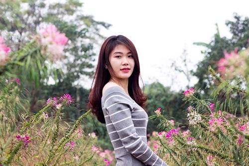 Nữ cử nhân xinh đẹp tình nguyện nhập ngũ