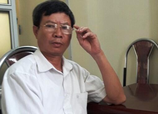 Chủ tịch UBND xã Yên Thịnh Thiều Quang Huê thừa nhận việc bút phê là sai quy định (Ảnh: A.T)
