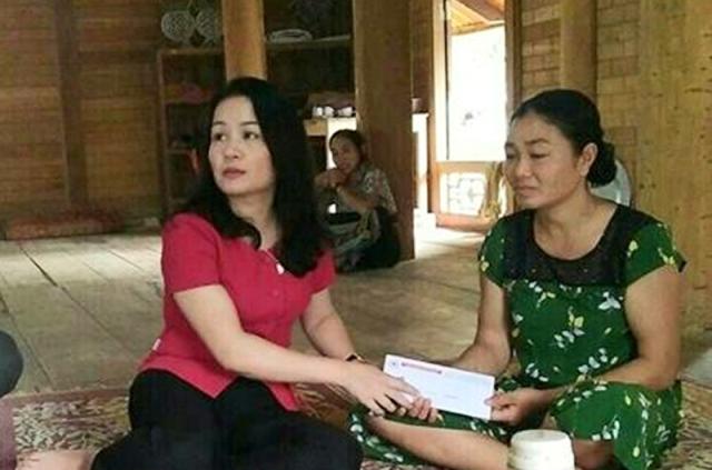 Các ban ngành đoàn thể thăm hỏi, hỗ trợ gia đình nạn nhân đuối nước tại Sơn Thủy, Quan Sơn.