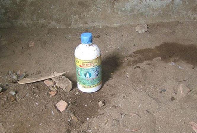 Nguyên nhân đôi nam nữ tử vong được xác định do uống thuốc diệt cỏ.