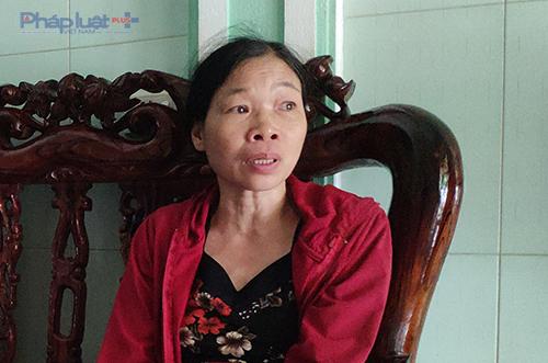 Bà Nguyễn Thị Dưỡng kể lại toàn bộ sự việc bị dọa, gây sức ép phải đưa 20 triệu cho bà Hồng ở VKS huyện Nga Sơn để chồng bà không bị xử án nặng hơn. (Ảnh: A. Thắng)