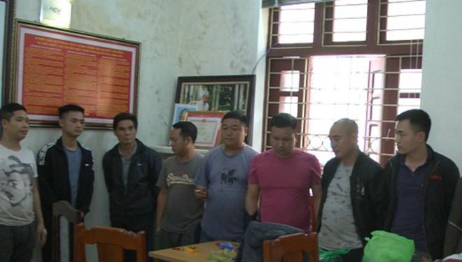 Những con bạc liên tỉnh bị cảnh sát hình sự bắt giữ. (Ảnh: Công an Thanh Hóa cung cấp)