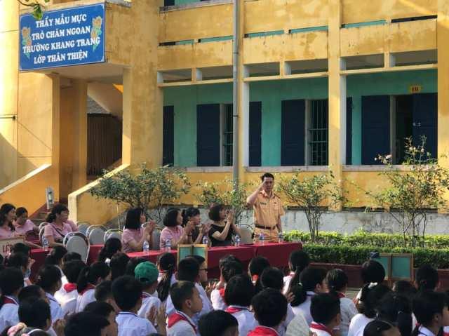 Chương trình tuyên truyền pháp luật về ATGT đường bộ được thực hiện cho 1.500 học sinh bậc tiểu học tại thị xã Bỉm Sơn, Thanh Hóa