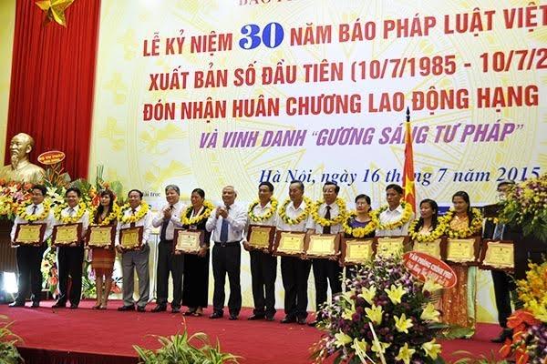 Công bố 10 sự kiện pháp luật tiêu biểu năm 2015