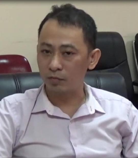 Ông Nguyễn Văn Hùng (Phó Giám đốc Xí nghiệp xe buýt Hà Nội cho rằng: Có thể dùng giẻ lau hay xì hơi để làm sạch mà không nhất thiết phải dùng dầu và xăng rửa.