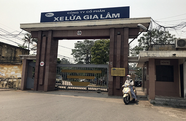 Nhà máy xe lửa Gia Lâm nằm giữa quận Long Biên.