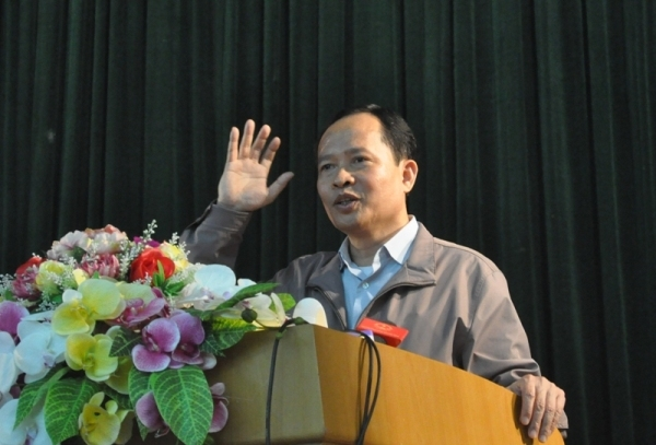 Ông Trịnh Văn Chiến- Bí thư Tỉnh ủy Thanh Hóa nhận trách nhiệm với ngư dân Sầm Sơn.