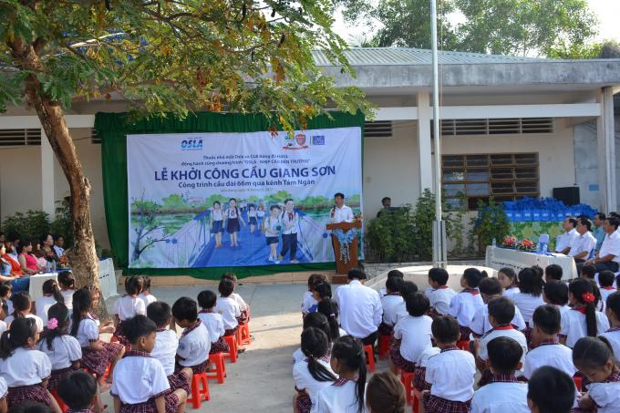 Ông Đoàn Sĩ Hiền - Phó chủ tịch Tập đoàn Dược phẩm Merap phát biểu trong buổi  lễ khởi công. Ảnh: Quốc Bảo
