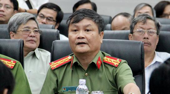 Đại tá Nguyễn Đức Dũng- Trưởng phòng tham mưu tổng hợp CA Đà Nẵng Trả lời buổi họp báo.