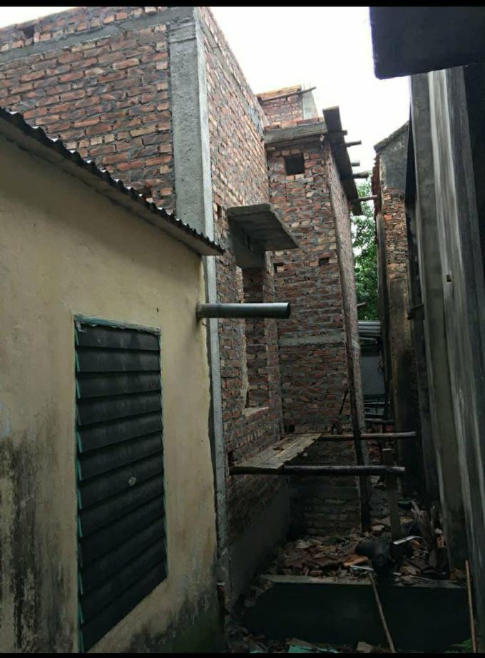 Công trình của ôngNguyễn Bá Dự xây lấn lối đi vào nhà, đất ông Nguyễn Bá Hoằng.