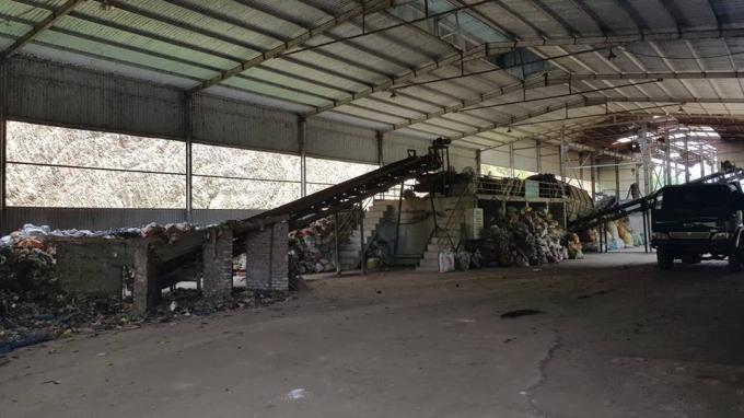 Việc UBND TP Bắc Kạn dừng ký hợp đồng xử lý đốt rác khiến nhà máy của Công ty TNHH Môi trường Bắc Kạn rơi vào tình cảnh hoang phế.