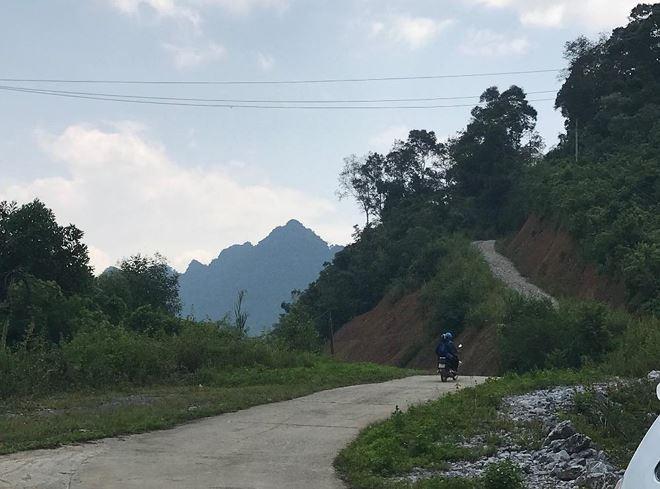 Đây là con đường độc đạo đi từ ngã ba Ngọc Sơn II đến xóm Xuyên Sơn xã Thần Sa đã được UBND huyện Võ Nhai phê duyệt làm đường nông thôn mới.
