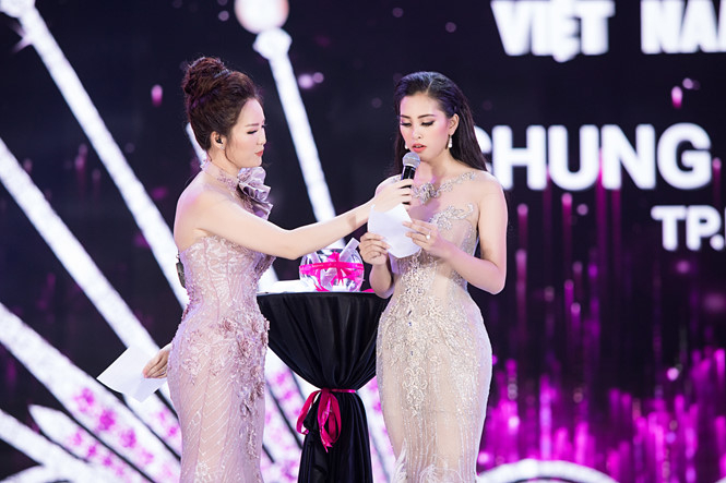 Trần Tiểu Vy khẳng định cô không hối hận với phần trả lời ứng xử của mình trong đêm chung kết  ẢNH: BTC