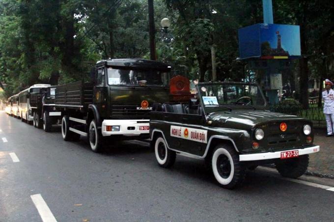 Các lực lượng phục vụ lễ truy điệu Chủ tịch nước đã có mặt tại các tuyến phố khu vực Nhà tang lễ quốc gia. Ảnh Vietnamnet.