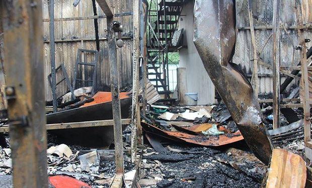Hiện trường vụ cháy khu dãy trọ của ông Hiệp.