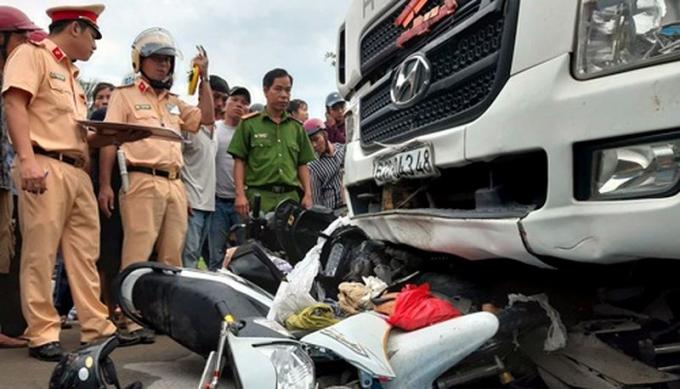 Hiện trường vụ tai nạn chiều 2/1.