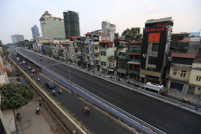 Cầu vượt An Dương - đường Thanh Niên.