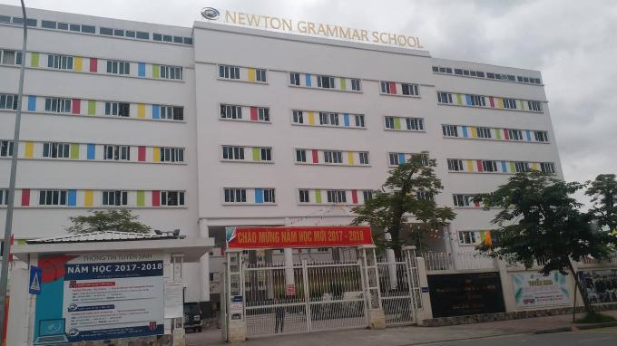 Hàng loạt sai phạm tại Trường Newton vẫn chưa được chính quyền quận Bắc Từ Liêm xử lý.