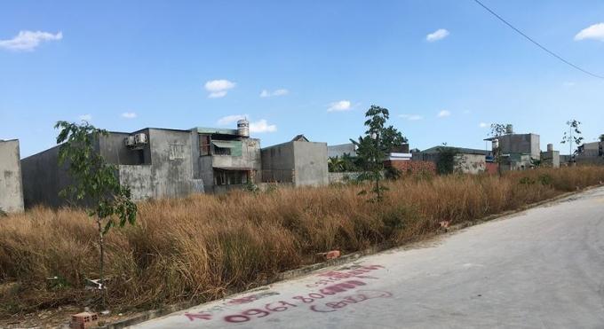 Một số khu đất dấu hiệu phân lô bán nền trái phép tại phường Trảng Dài.